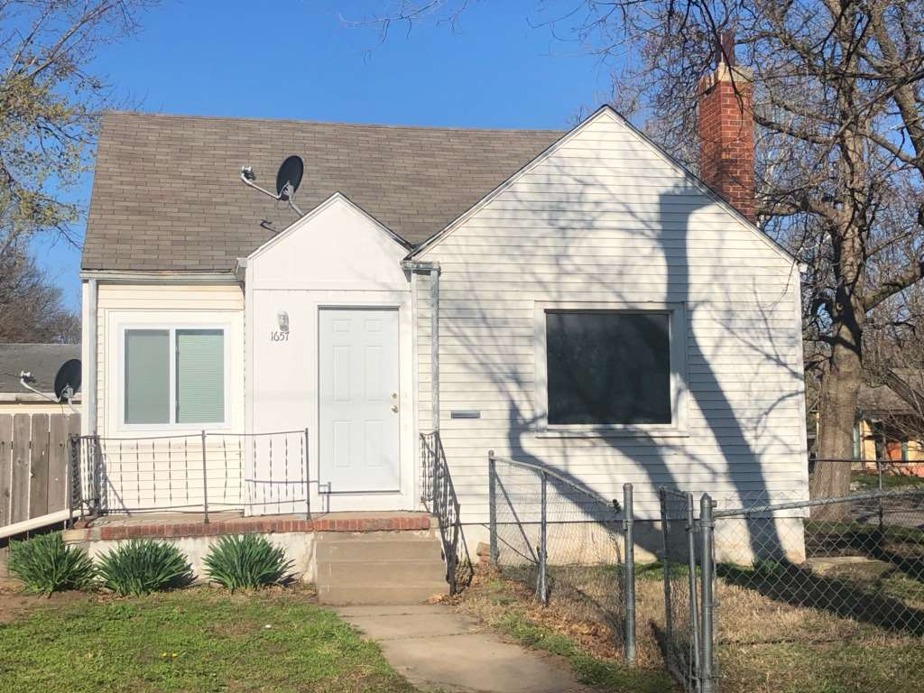 Cute 2 BR, 1.5 BA updated home on corner lot with 2-car garage!  Must see!  Move in ready!  Call tod