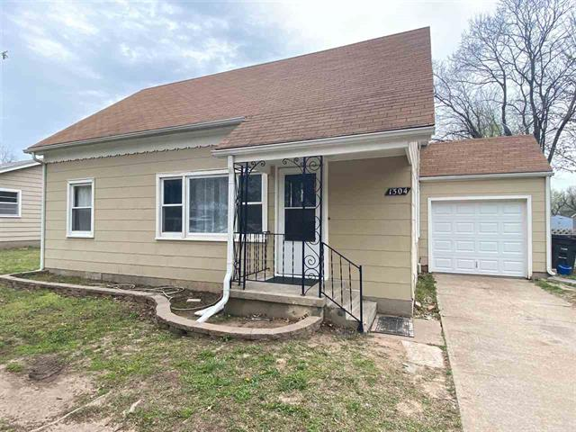 For Sale: 1304 N 8th St, Arkansas City KS