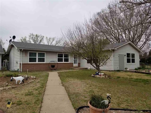 For Sale: 2220 W 6th Ave, Winfield KS