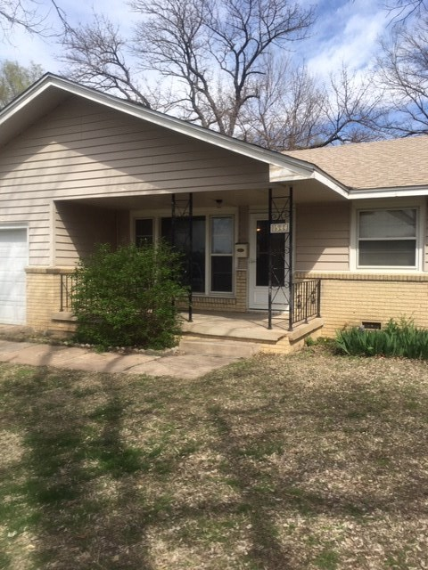This turn Key Single family 3 bedroom 1 bath home has been well loved. Wood floors in main living ar
