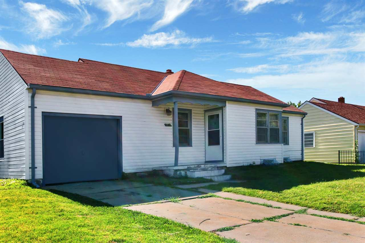 Looking for a great investment property?  Then you will want to check out this great 3 bedroom, 2 ba