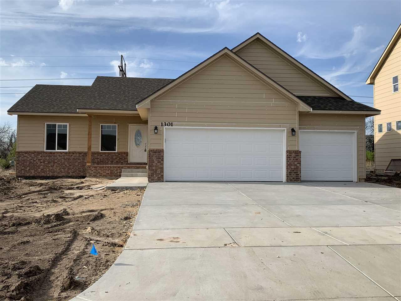1301 E Prairie Hill Cir, Park City, KS, 67219