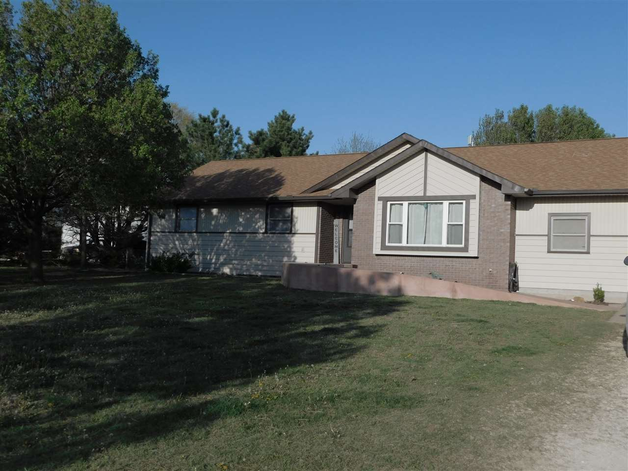Beautiful well maintained 3-Bedroom, 2-Bath ranch home with 1-car attached garage and appx. 45'x50'