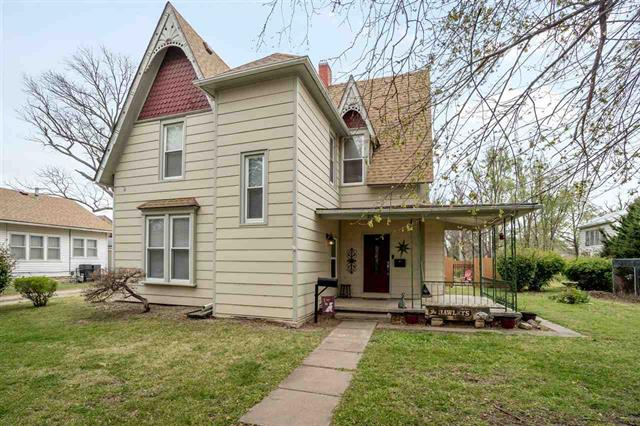 For Sale: 215 S G St, Wellington KS