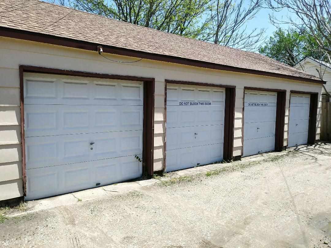 For Sale: 1307 S Hydraulic, Wichita KS