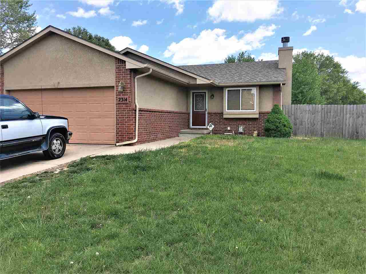 Great home 3 bed 2 bath home in the highly sought after Prairie Woods! Goddard USD - Wichita Address