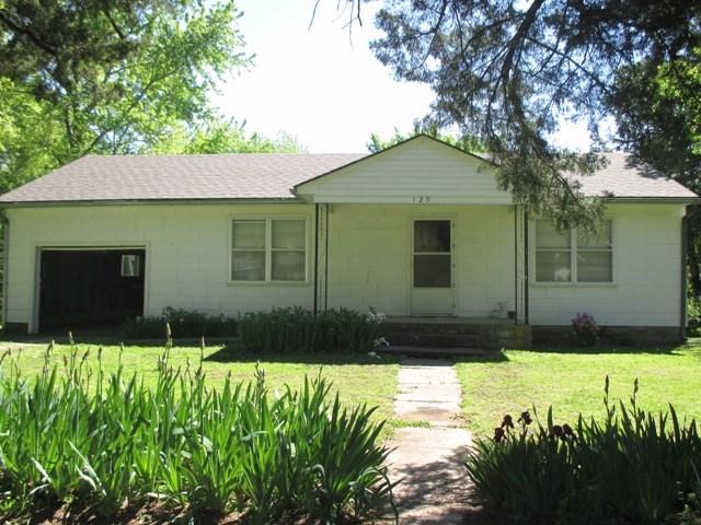 For Sale: 129 S Oak, Howard KS
