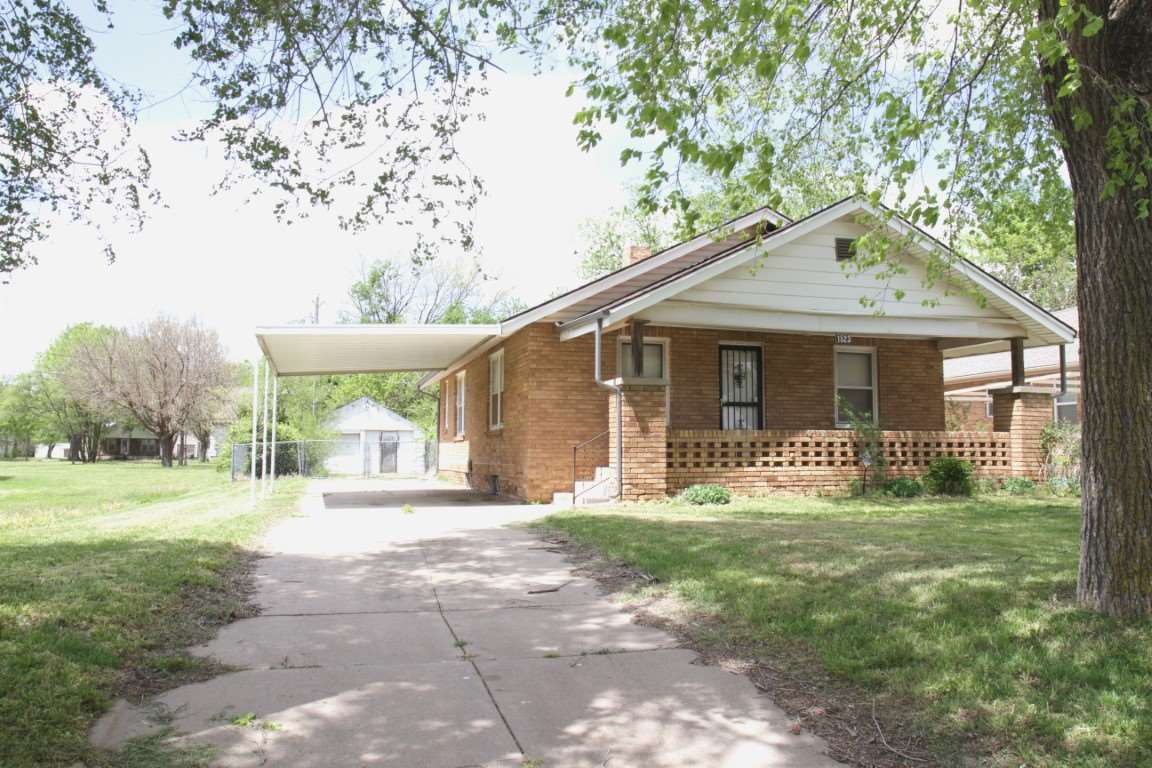 """Buyer was unable to qualify for loan, back on the market!"" Enjoy this Full Brick, 2 Bedroom Home wi"