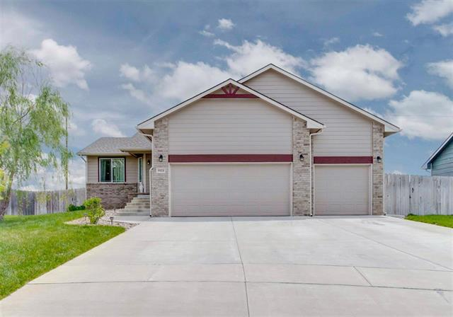 For Sale: 5521 S Elmhurst Cir, Wichita KS