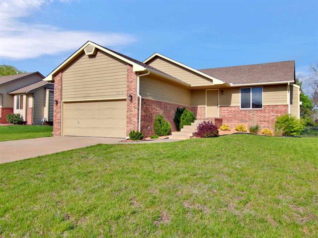 For Sale: 2516 N Fieldstone, Andover KS