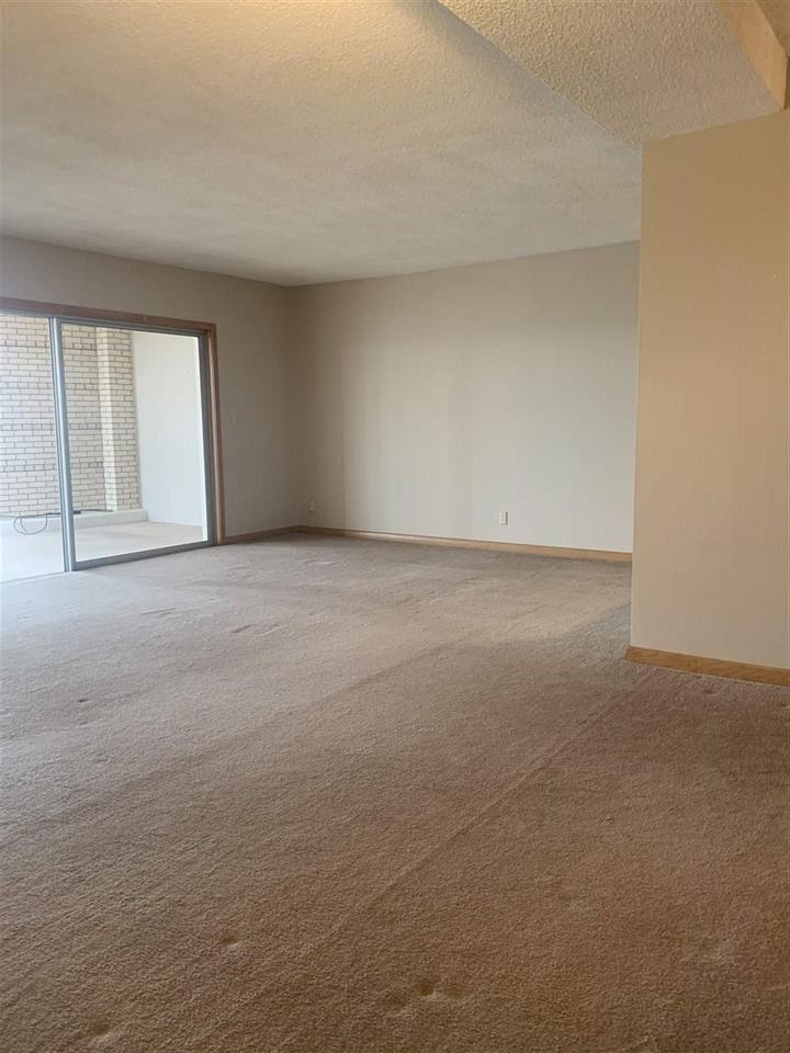 For Sale: 5051 E Lincoln #5B, Wichita KS