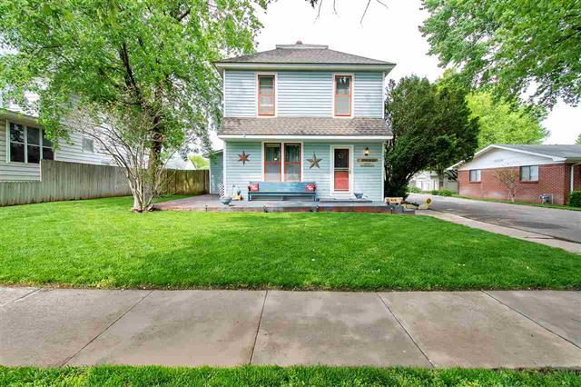 For Sale: 127 N Kansas St, Haven KS