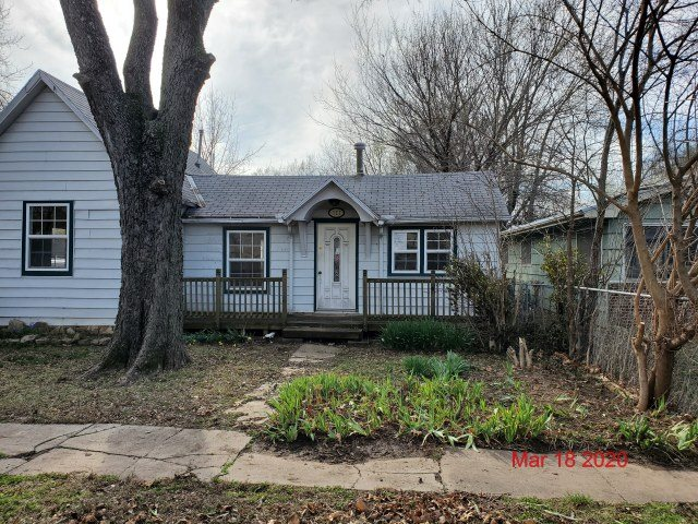 For Sale: 121  MICHIGAN ST, Winfield KS