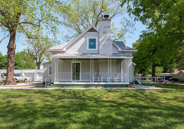 For Sale: 1321  Cherry St, Winfield KS