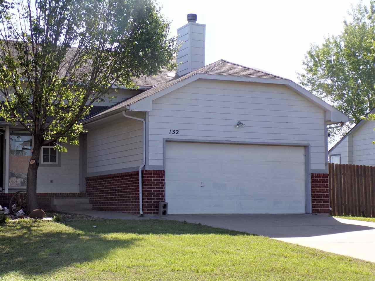 132 N Osage Rd, Derby, KS, 67037