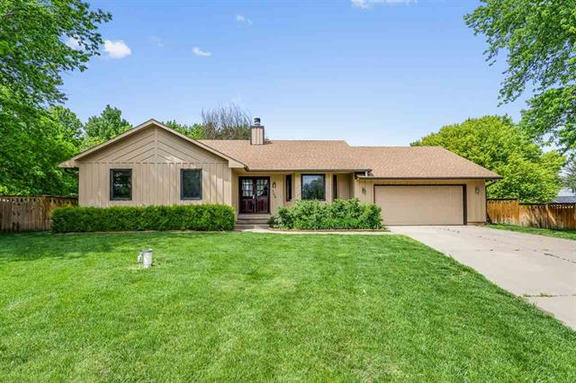 For Sale: 346 W Oakwood Ct, Andover KS