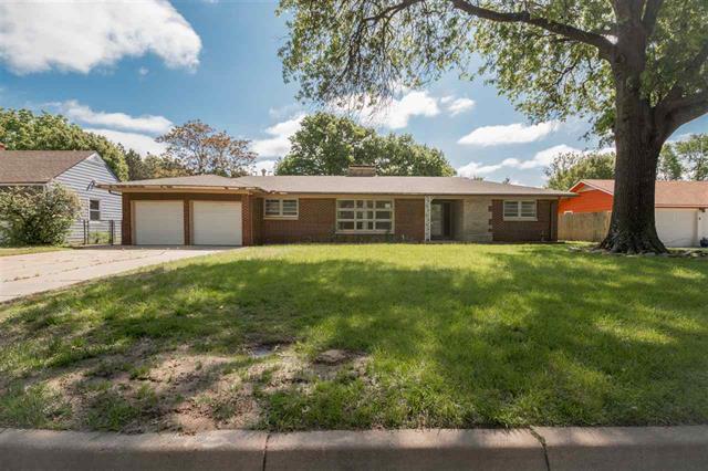 For Sale: 1114 N Parkwood Ln, Wichita KS