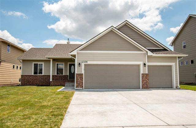 For Sale: 1301 E Prairie Hill Cir, Park City KS