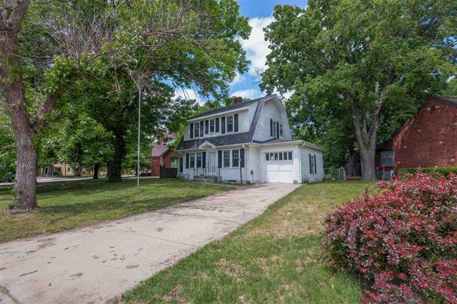 For Sale: 1401 N Woodland Ave, Wichita KS