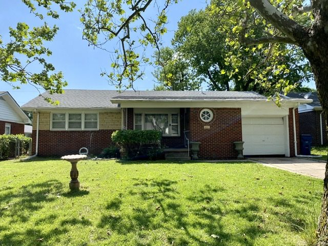 A lovely, full-brick ranch, close to McConnell AFB, highways, shopping, and dining! 3 bedrooms, 1 ba