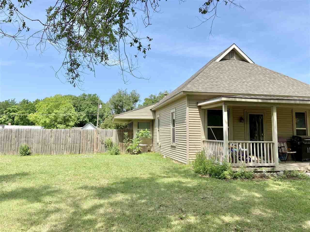 For Sale: 502 S Springfield Ave, Anthony KS