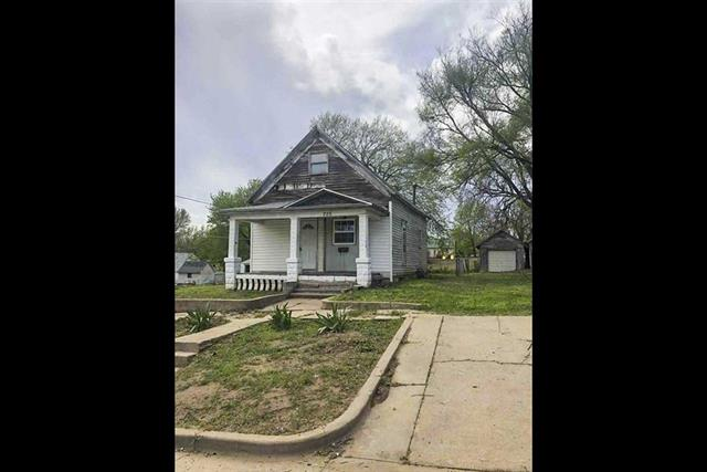 For Sale: 225 N Douglas, Kingman KS