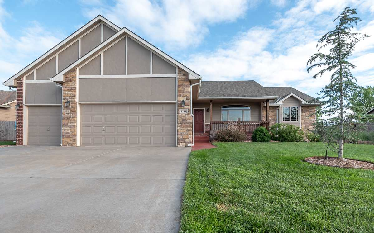 Move in ready, this very nice and inviting open floor plan is available in Derby.  4 bedroom, 2 bath