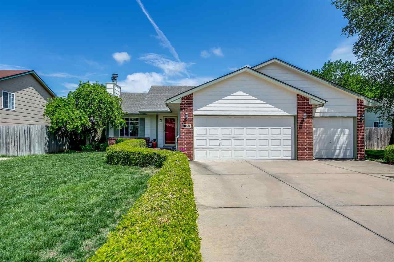 Goddard schools/West Wichita home with: 3 bedroom, 3 bath, 3 car garage home on a quiet cul-de-sac.