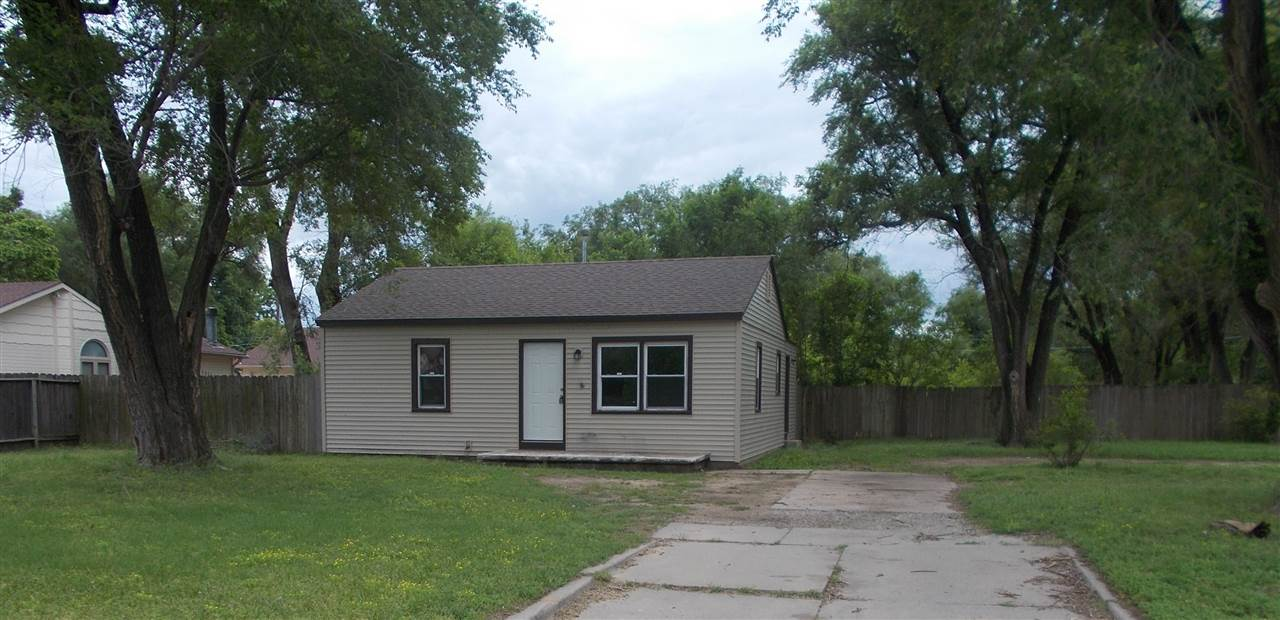Cute home with newer roof, siding and windows less than 2 years old.  The home has a large living ro