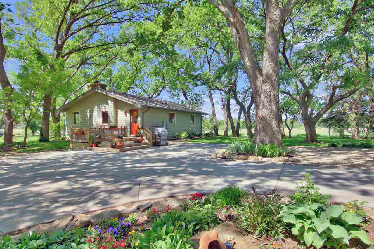 It is time to put some space around you. This beautiful 12-acre farm in western butler county is one