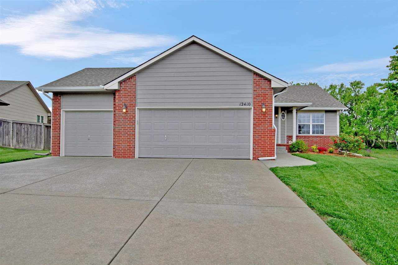 Welcome home! Schedule your private showing of this 3BR/3BA ranch style home in a very popular NE ne