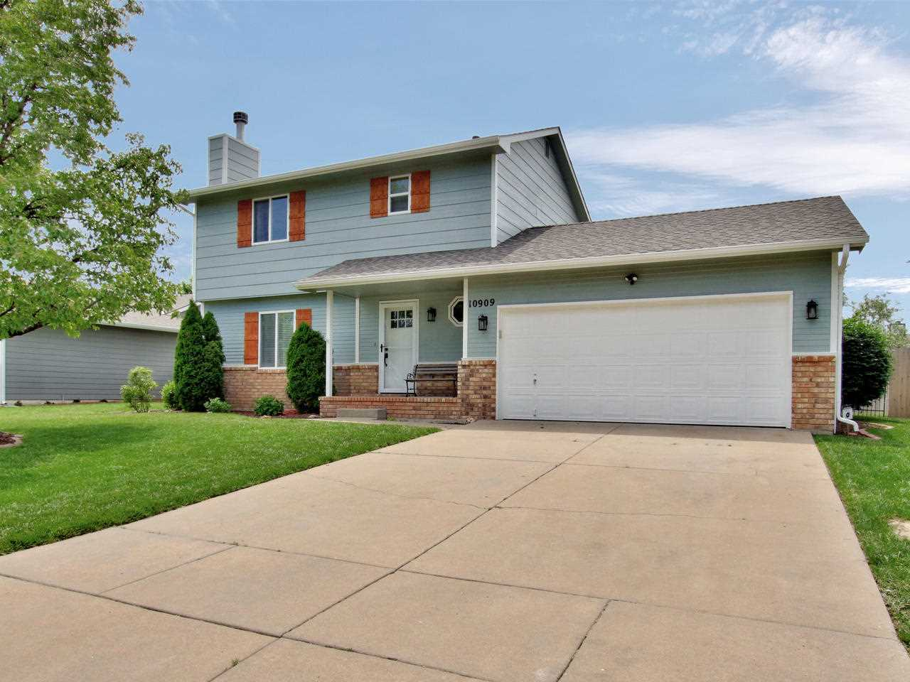 GORGEOUS CUSTOM REMODEL IN GODDARD SCHOOLS // 4 BEDROOMS, 2 1/2 BATHS // FINISHED BASEMENT // UPDATE