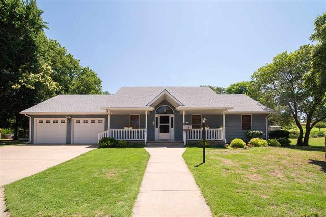 For Sale: 1100 N Elm St, Kingman KS