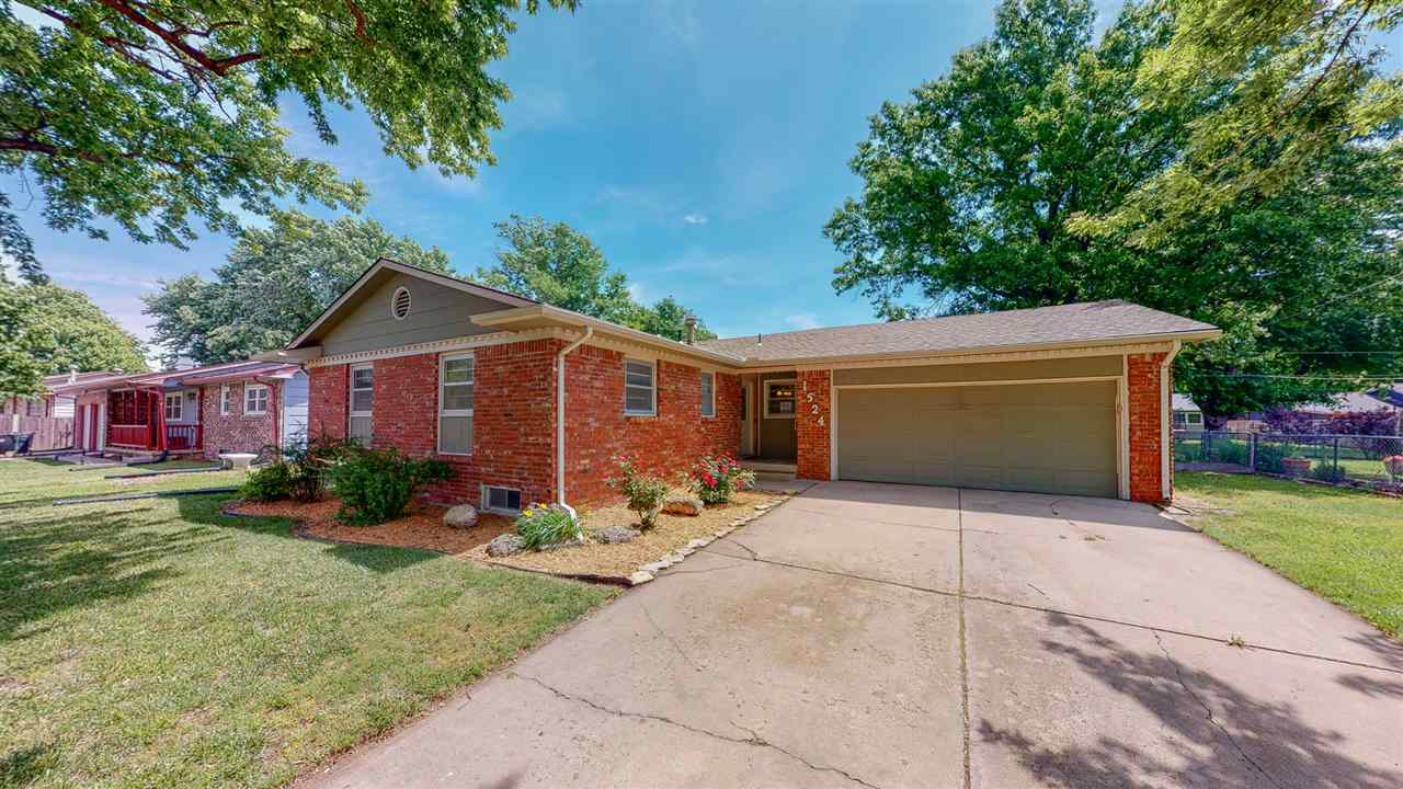 Welcome to your New Home!  3 Bedrooms – 3 Baths – 2 Car Attached Garage. Located in West Wichita! Cl