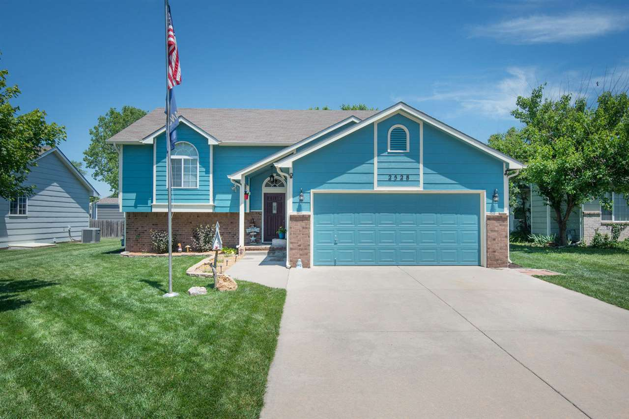 4 BED MOVE IN READY HOME IN VALLEY SCHOOL DISTRICT! YOU'LL LOVE THE OPEN MAIN LEVEL LIVING AREA!  TH
