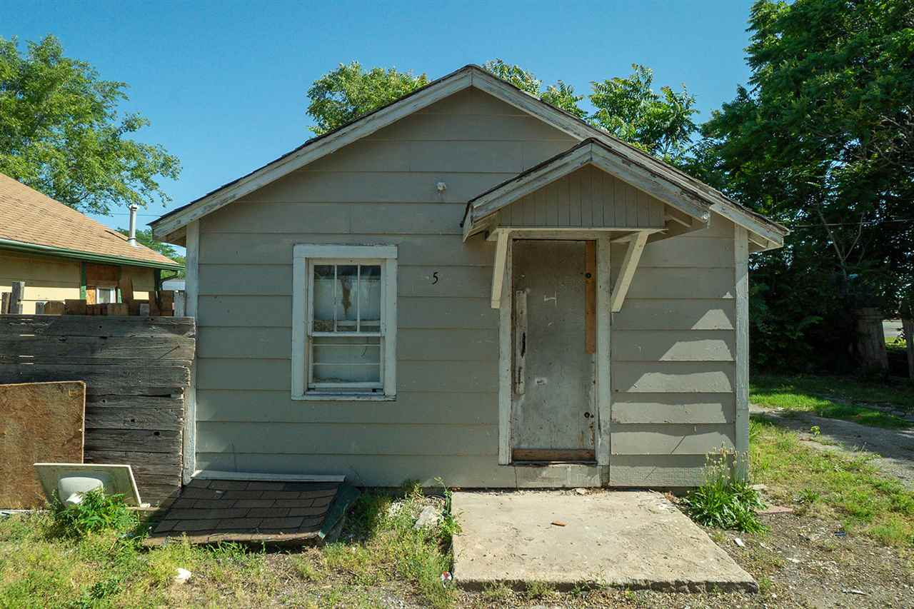 For Sale: 3839 S BROADWAY AVE, Wichita KS