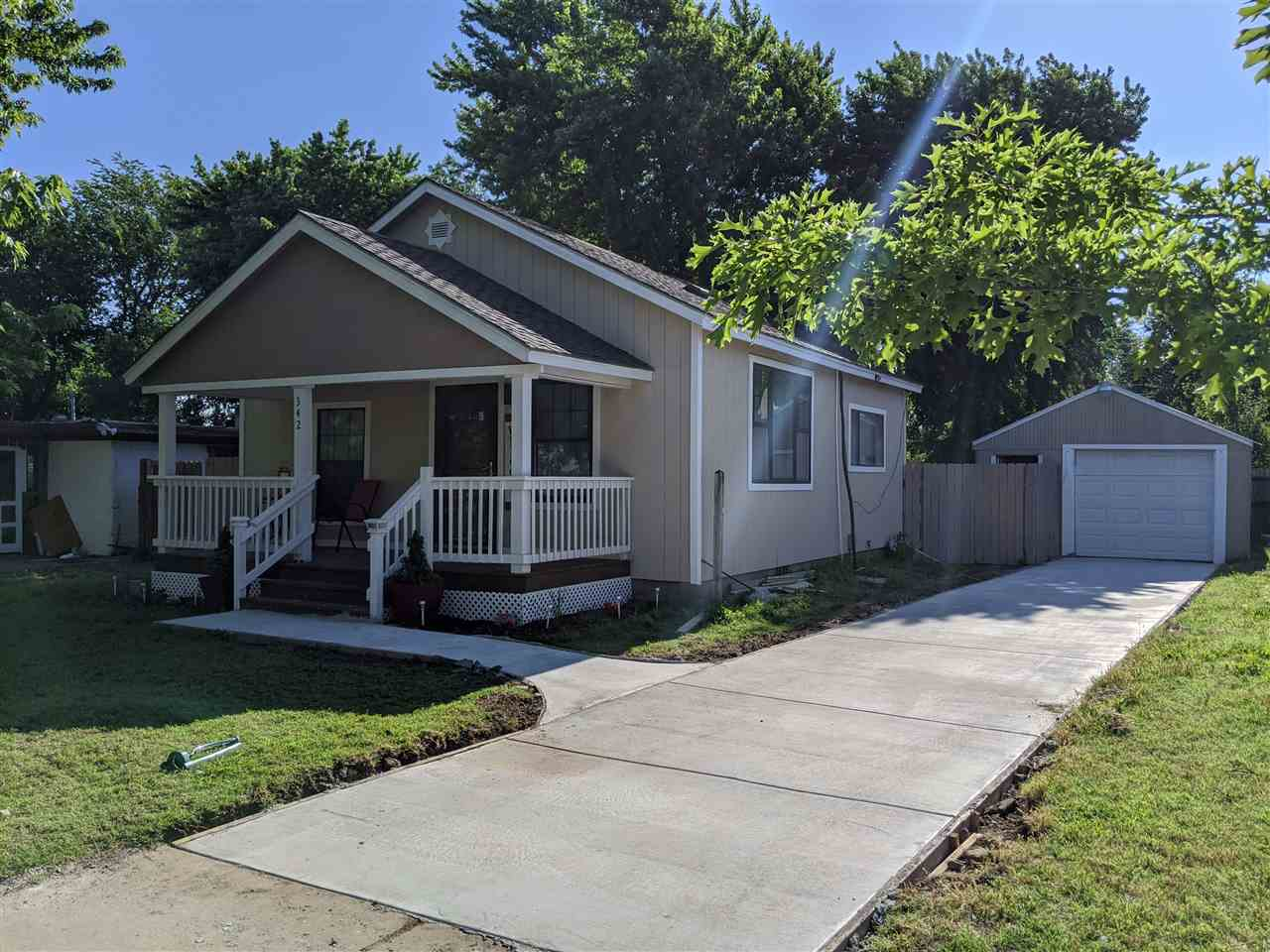 Location, Location and right price.! super low Taxes!. Open floor plan Kitchen-Dinning-Living combo.