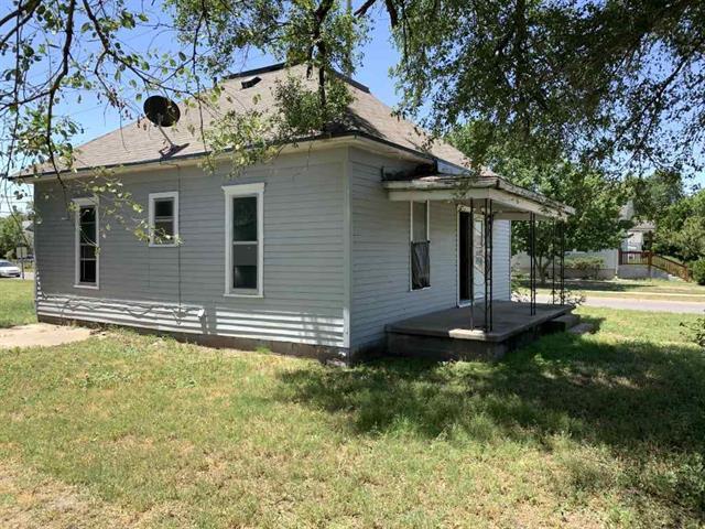 For Sale: 301 E Ave F, Hutchinson KS