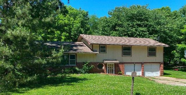 For Sale: 506 N Willow St, Coffeyville KS