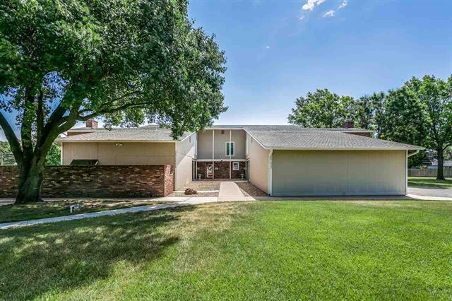 For Sale: 2222  Dover Dr, Hutchinson KS