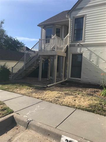 For Sale: 8019 E LAKEPOINT WAY Unit #201, Wichita KS
