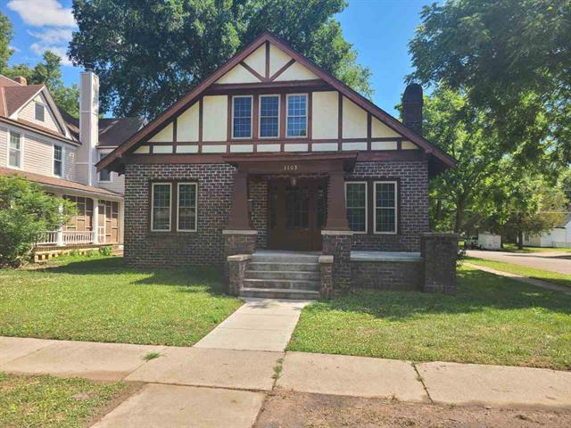 For Sale: 1103 E 7TH AVE, Winfield KS