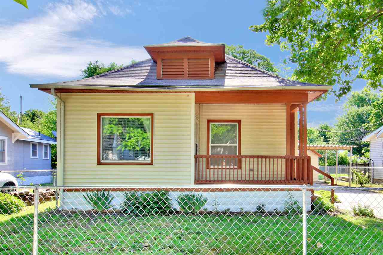 WELCOME HOME!!! You'll need to rush right out and see this 3 bedroom, 2 bath home just waiting for y