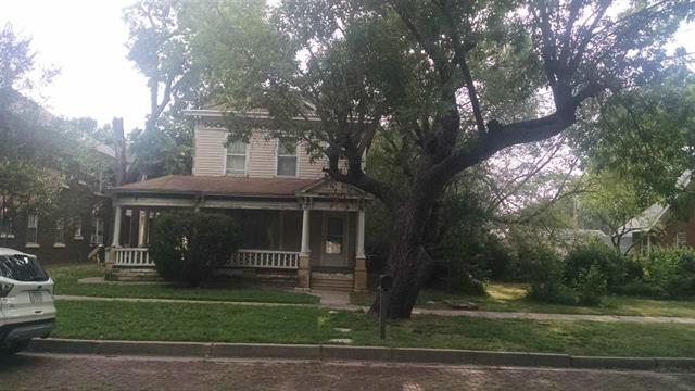 For Sale: 507 N B St, Arkansas City KS