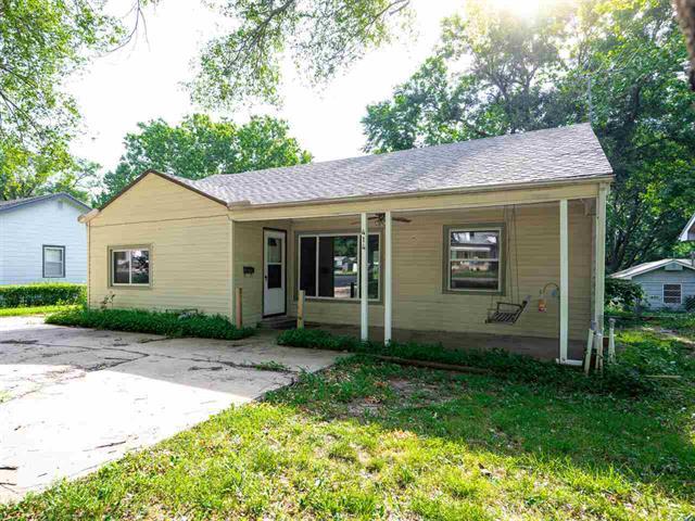 For Sale: 414 N 2nd Ave, Mulvane KS