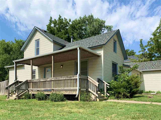 For Sale: 101 S Schmidt Ave, Moundridge KS
