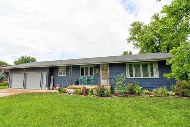 For Sale: 112  Chestnut St, Moundridge KS