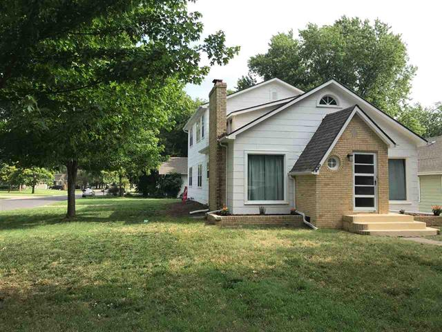 For Sale: 930 W 1st Ave, El Dorado KS