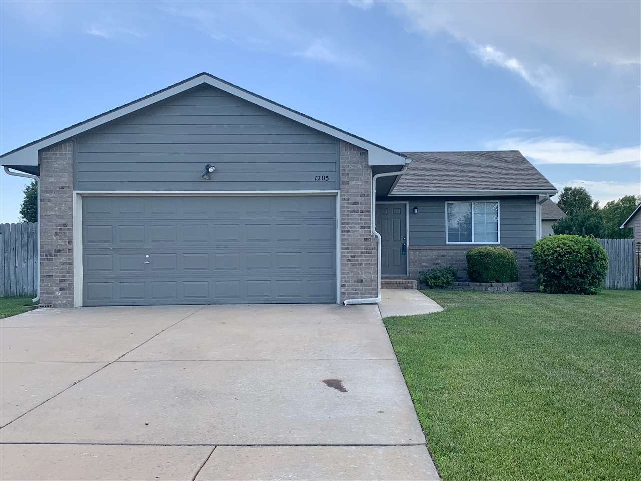 You should live cheaper than your rental payment in this lovely 3 bedroom, 2 bath ranch in Goddard i