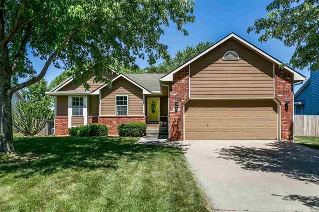 For Sale: 472 N Prairie Creek DR, Kechi KS
